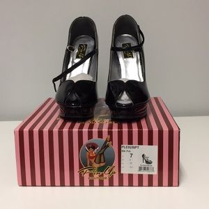 Pin Up Couture Black Patent Peep Toe Pumps, Size 7